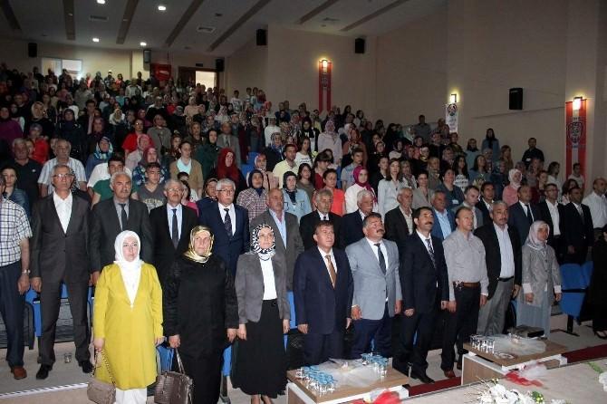 Arifiye Halk Eğitim Merkezi Yıl Sonu Sergisini Açtı
