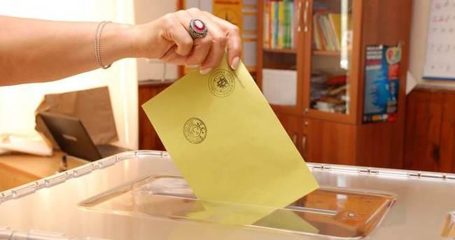 Yurt dışında yaşayan gurbetçiler oy kullanmaya devam ediyor