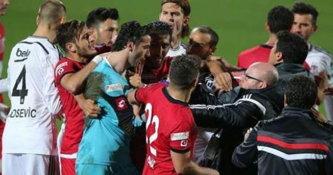 Başkentte maç bitti saha karıştı