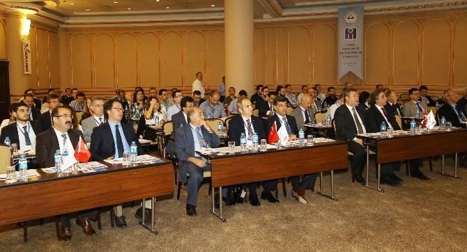 Erciyes Üniversitesi'nde Yapı Mühendisleri Bir Araya Geldi