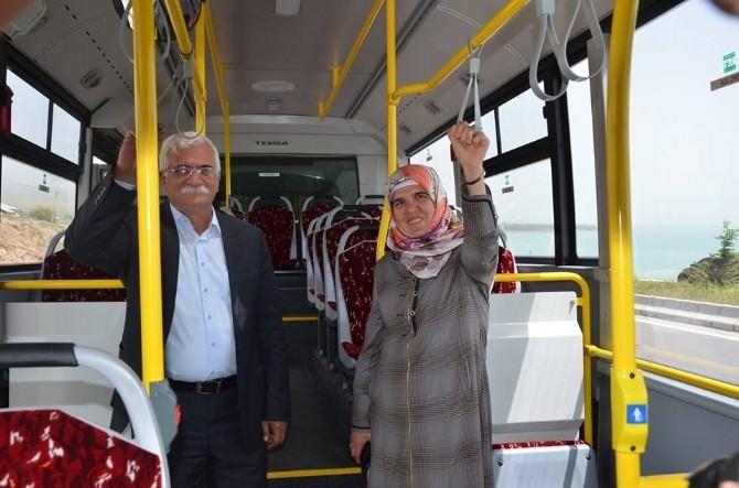 Erciş Belediyesi'nin Aldığı 10 Otobüs Hizmete Girdi