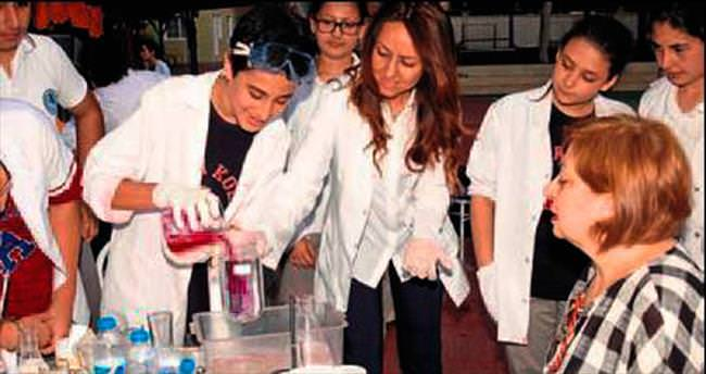 Adana Koleji'nde deney