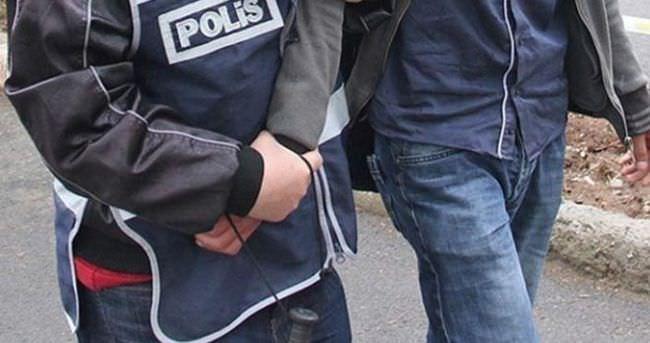 3 polis gözaltına alındı