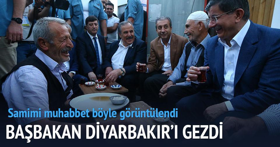Davutoğlu Diyarbakır'da gezdi