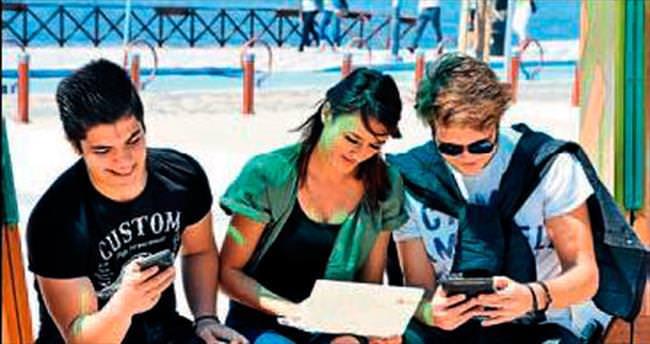 İzmir'in 8 noktasında ücretsiz internet keyfi