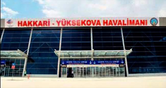 Yeni havaalanı Yüksekova'yı uçurdu