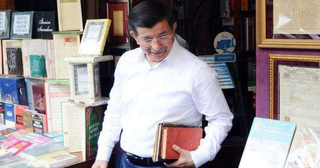 Davutoğlu'nun İstanbul programı başladı