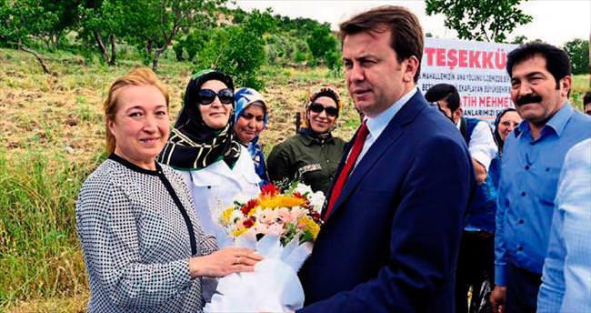 Başkan Fatih Erkoç'a 'asfalt' için teşekkür