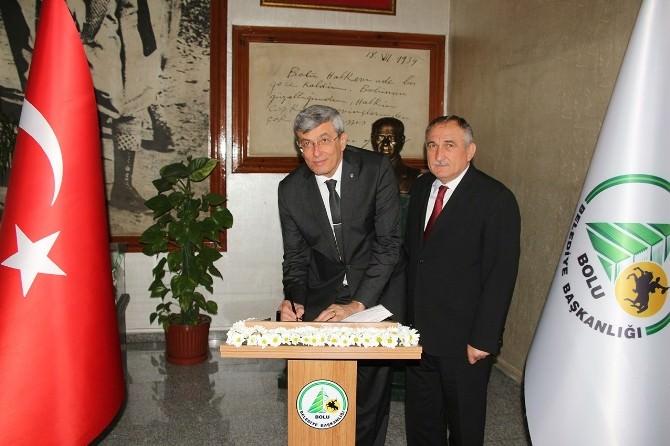 Bakan İpek, Bolu Belediyesi'ni Ziyaret Etti