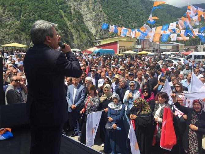 AK Parti Gümüşhane Milletvekili Üstün, Kürtün İlçesindeki Mitinge Katıldı