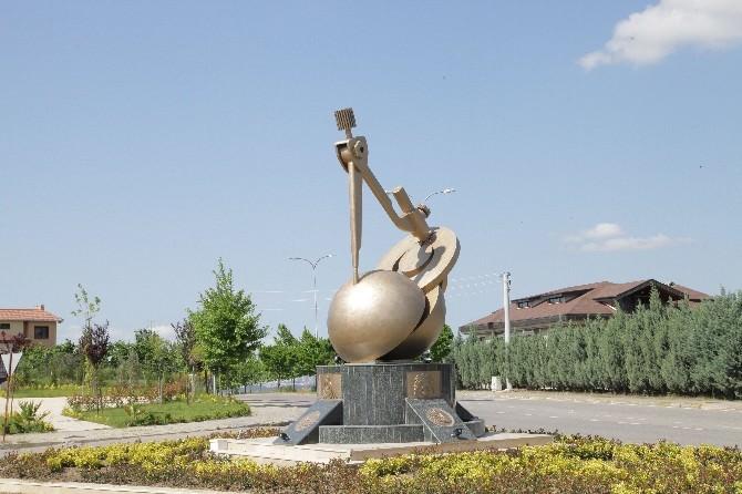Yeni Türkiye Anıtı Başiskele'de