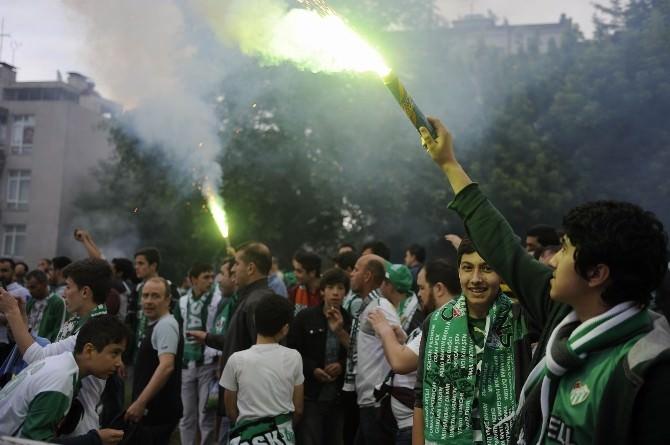 Bursaspor Ve Galatasaray Kafilesi Stadyuma Geldi
