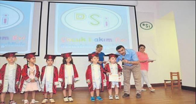 DSİ'nin çocukları diplomalarını aldı