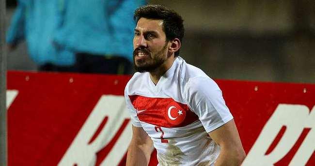 Şener Özbayraklı, Fenerbahçe için İstanbul'a geldi