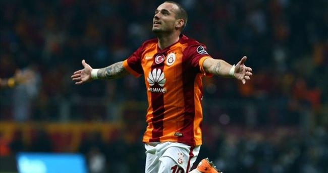 Fener'e Sneijder'li gönderme