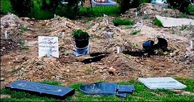 Müslümanlar'ın mezarlığına saldırı