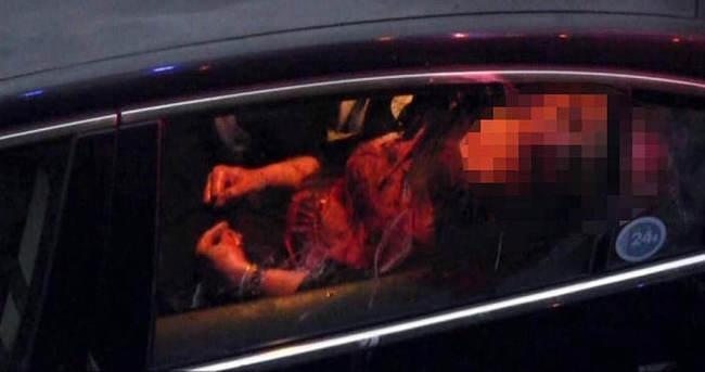 Seyir halindeki araçta annesini öldürdü