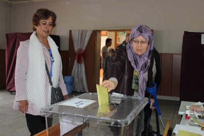 Eskişehir'de Oy Verme İşlemi Başladı