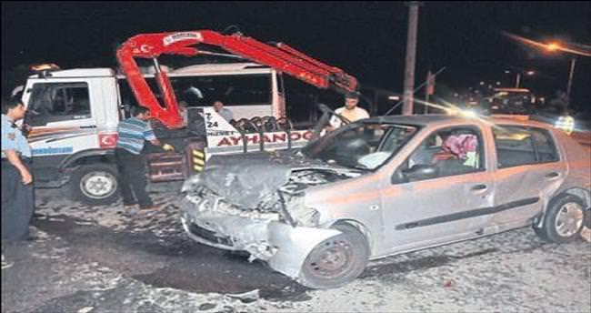 Düğün dönüşü kavşakta kaza: 9 yaralı