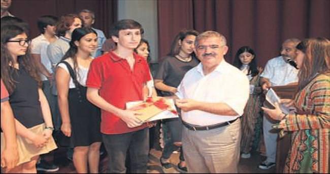 Fethiye'de 420 öğrenciye ödül