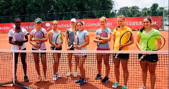 10 bin dolar ödüllü tenis turnuvası