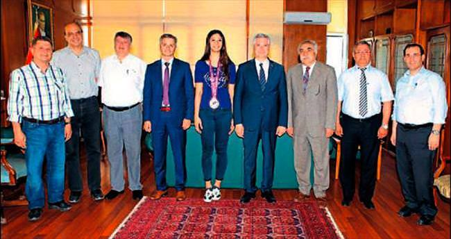 Nafia Kuş dünya üçüncüsü oldu