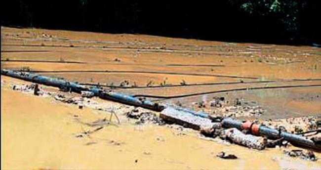 Salihli'de evleri ve tarlaları su bastı