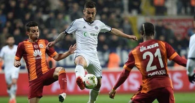 Galatasaray Adem Büyük'le  el sıkıştı