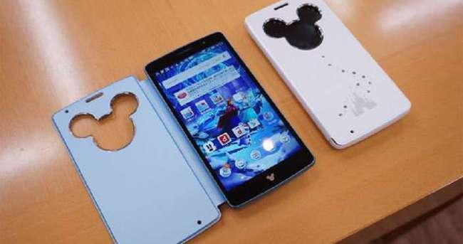 LG yeni Mickey Mouse'li akıllı telefonunu tanıttı!