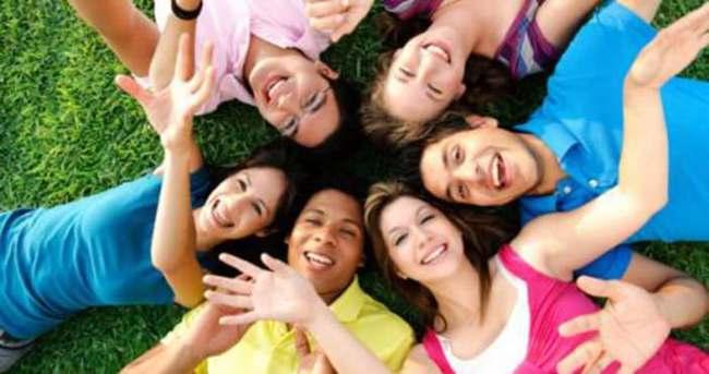 Gençlerin yeni yaşam rehberi Cosmo On Campus