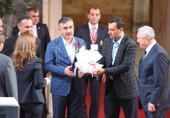 Meclis'e İlk Gelen Milletvekili Niğdeli Özegen Oldu