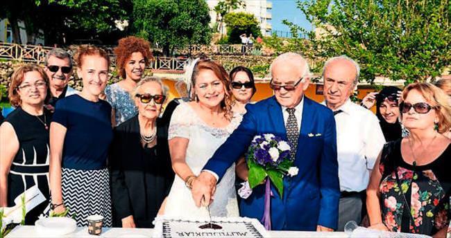 Yaşlılar Evi'nin ilk nikahı kıyıldı
