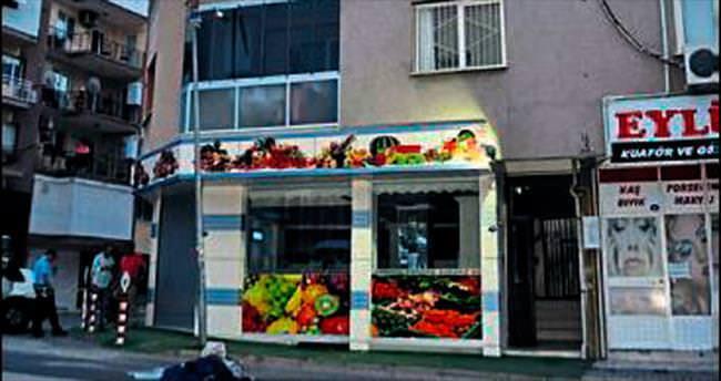 İzmir'de balkondan düşen bir kişi öldü