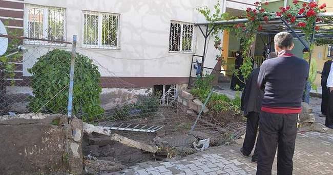 Evi su bastı baba ve kızı boğuldu