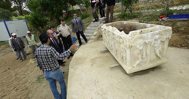 Denizli'de 2 bin yıllık mezar bulundu