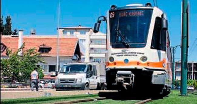 Gaziantep'te tramvayın çarptığı adam öldü