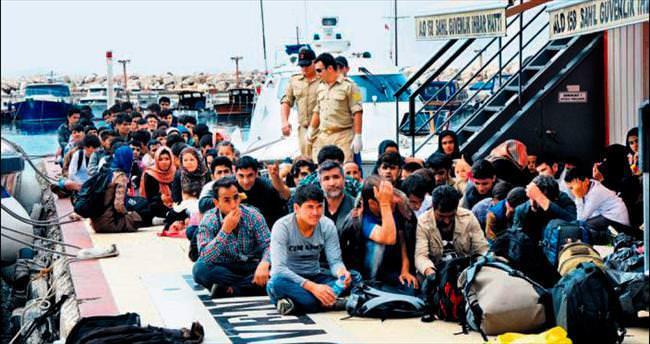 Bir günde 462 mülteci yakalandı