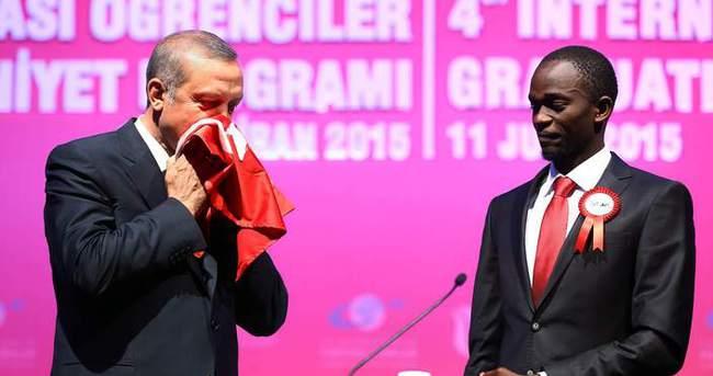 Ugandalı Jamil'in Erdoğan'a hediyesinin hikayesi
