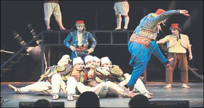 Üç Mehmet'in dansı izleyenleri büyüledi
