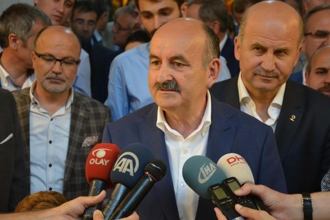 Bakan Müezzinoğlu'ndan Çarşı Esnafına Teşekkür Ziyareti