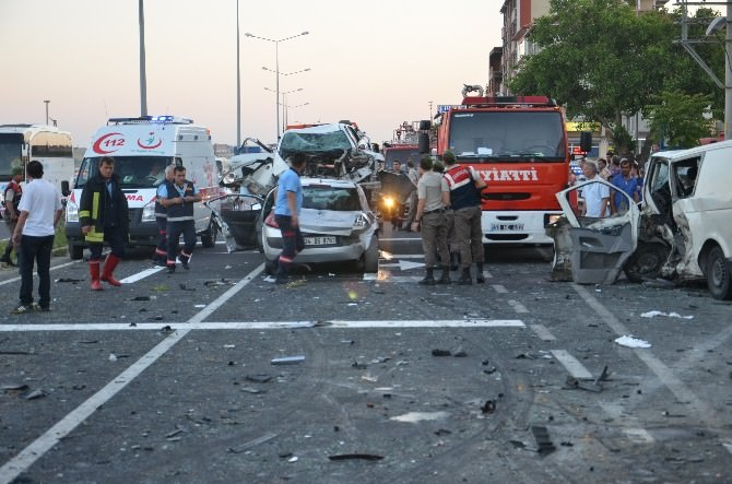 Tekirdağ'da Zincirleme Kaza: 3 Ölü, 9 Yaralı
