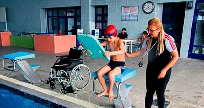 Engelli oğlu için spor kulübü kurdu