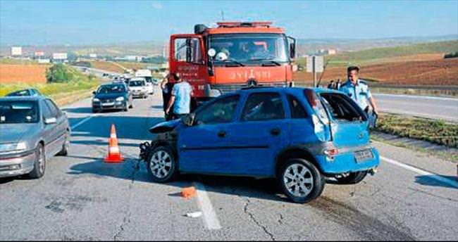 Elmadağ'da kaza: 1 ölü, 4 yaralı