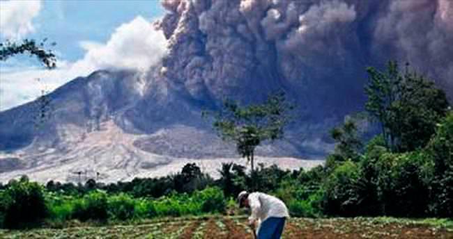 Endonezya'da volkan paniği
