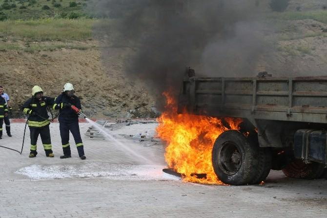Yozgat Belediye İtfaiyesinden Yangın Tatbikatı