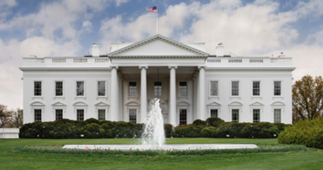 Beyaz Saray'da ev partisi verdiler