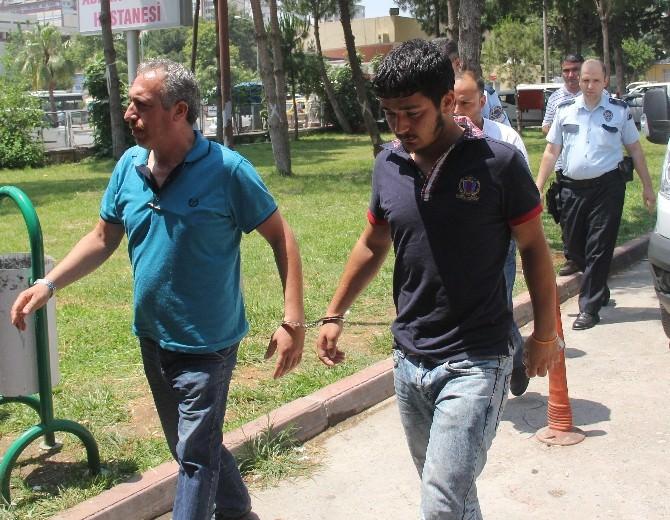 Okul Müdürüne Bıçak Çeken Baba-oğul Gözaltına Alındı