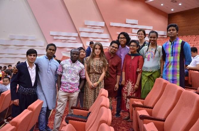Türkçe Öğretim Gören 80 Ülkeden 200 Öğrencinin Mezuniyet Coşkusu