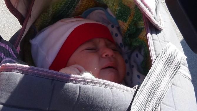 Böbreği Alınan Bebeğiyle Duruşmaya Geldi