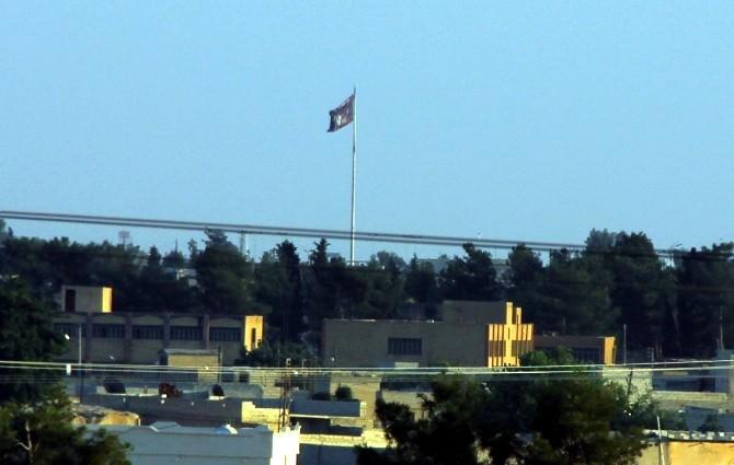 Tel Abyad'daki IŞİD Bayrağı İndirildi